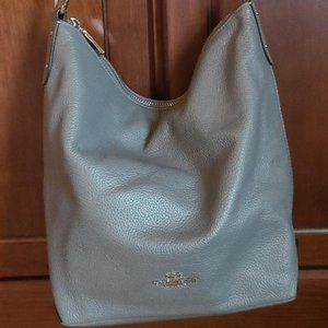 Coach leather shoulder bag, like new.